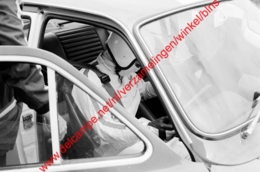 Autocoureur Yvette Fontaine In Juni 1969 - Photo 15x23cm - Automobiles