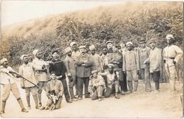 """LE MANS -- Carte Photo Militaire De Groupe - Soldats Africains - Au Dos """"Caserne Negrier Mans """" - Le Mans"""