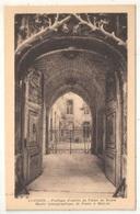 84 - AVIGNON - Portique D'entrée Du Palais Du Roure - Musée Iconographique De Dante à Mistral - Avignon