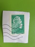 Timbre France YT 1601 AA - Marianne D'Yseult Digan - L'engagée - Lettre Verte Non Dentelée - Sur Fragment - Francia