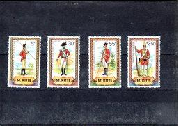ST Kitts Nº 468-71 Uniformes Militares, Serie Completa En Nuevo - Militares