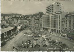 GENOVA - PIAZZA CARICAMENTO - B/N - ANIMATA, AUTO D'EPOCA , 1955,VIAGGIATA,TIMBRO POSTE GENOVA-FERRARA-RR - Genova