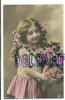 Photographie. Petite Fille Et Roses. 1913 - Portraits