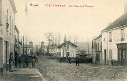 51  PORT A BINSON  LE PASSAGE A NIVEAU - Frankrijk