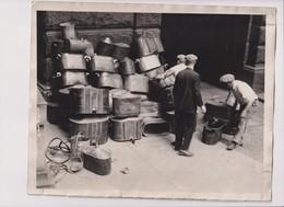 NEW ENGLAND RAIDS YIELD MANY STILLS BOSTON PROHIBITION AGENTS NEW ENGLAND 1925     25*20CM Fonds Victor FORBIN 1864-1947 - Profesiones