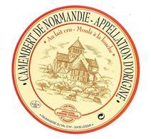 ETIQUETTE De FROMAGE..CAMEMBERT De  NORMANDIE..Fromagerie Du VAL D'AY à LESSAY ( Manche 50) - Cheese