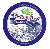 ETIQUETTE De FROMAGE..CAMEMBERT Fabriqué En  NORMANDIE..FLEUR D'OR - Cheese