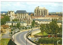 CPM  Beauvais Vue Générale Du Pont De Paris L&acute Eglise St Etienne Et La Cathédrale - Beauvais