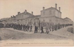 CPA Marennes - Ecole Primaire Supérieure - Vue Générale - Rentrée De La Promenade (jolie Animation) - Marennes