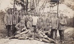 AK Foto Gruppe Deutsche Soldaten Im Wald - 1916 (45428) - Weltkrieg 1914-18