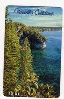 NOUVELLE CALEDONIE NC77 FALAISES DE DOKING 25U 40 000ex Année 10/2000 - Nueva Caledonia
