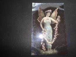 Femme ( 1434 )  Vrouw  Femme Papillon   Carte Gaufrée  Reliëf - Femmes