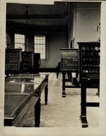 THE ROYAL MINT  THE MUSEUM  Numismática Numismatique Numismatics 20*15CM Fonds Victor FORBIN 1864-1947 - Profesiones