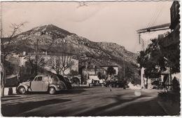 La Turbie (A.-M.) : SIMCA 8-1200, FORD VEDETTE - La Place - Toerisme