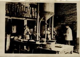 THE ROYAL MINT CASTING SILVER BARS  Numismática Numismatica Numismatics 20*15CM Fonds Victor FORBIN 1864-1947 - Profesiones