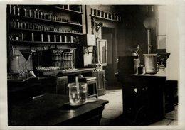 THE ROYAL MINT THE LABORATORY   Numismática Numismatica Numismatics 20*15CM Fonds Victor FORBIN 1864-1947 - Profesiones