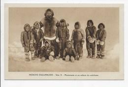 Missions Esquimaudes - Missionnaire Et Ses Enfants Du Catechisme - Missions