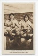 Missions Esquimaudes - Femmes Esquimaudes Sous L'iglou - Missions