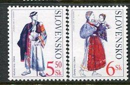 SLOVAKIA 2001 Costumes From Detva MNH / **.  Michel 388-89 - Nuevos