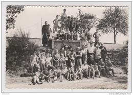 PHOTO ORIGINALE CAMP DE SCOUT - SCOUTISME - COLONIE DE VACANCES - JEUX - SPORTS - GARCONS - BADEN POWELL - Personas Anónimos
