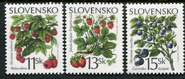 SLOVAKIA 2000 Forest Berries Singles Ex Block MNH / **  Michel 375-77 - Nuevos