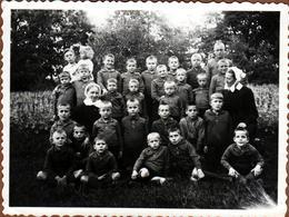 Photo Originale Scolaire - Ecole De Garçons Chez Les Bonnes Soeurs - Ecoliers Au Jardin & Légende Dos 1930/40 - Anonymous Persons