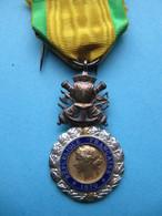 Médaille Militaire 3è République - Medaglie