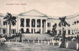 INDIA - CALCUTTA - GOVERNMENT HOUSE ~ AN OLD POSTCARD #99609 - India