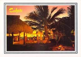 Polynésie Française-TAHITI Musique Et Danse Au Soleil Couchant  (1)(vahinés) (photoTeva Sylvain Tahiti 1040)@*PRIX  FIXE - Polynésie Française