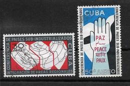 CUBA Poste Aérienne YT 219 Et 220 Oblitérés (2 Sur 4)  : Conférence Des Pays Sous Industrialisés / Cote 2006= 2.00 Euros - Poste Aérienne