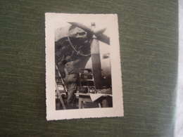 Photo Ancienne Aviation Avion Gros Plan à Identfier Peut être à Rochefort - Aviation