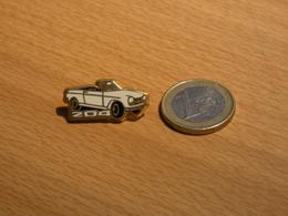 AUTOMOBILE PEUGEOT 204 CABRIOLET . ZAMAC . - Peugeot