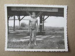 Serbia / Devojački Bunar ( Alibunar ) -Semi Naked Guy ( 8,8 X 6,6 Cm ) - Persone Anonimi