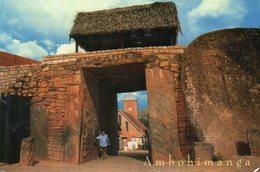 AMBOHIMANGA - Une Porte Du Rova - Madagaskar