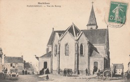 56 PLEUCADEUC       Vue Du Bourg     TB  PLAN 1911    PAS COURANT  ...avec Charette Et Voiture Ancienne - France