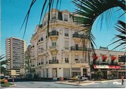 83. SAINT RAPHAËL. PLACE DE LA GARE. 1977. - Saint-Raphaël