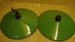 Lot. 1214. Deux Abats-jour émaillés Verts Et Blancs - Luminaires