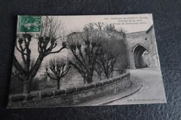 CPA - Château De COUCY (02) - Entrée De La Ville - Porte De Soissons (XIIIe) - France