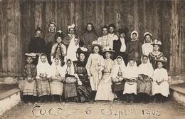 CARTE PHOTO:CUET (01) GROUPE  EN COSTUMES PETITES FILLES JEUNES FEMMES LE 6 SEPTEMBRE 1908..ÉCRITE - Otros Municipios
