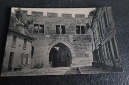 CPA - COUCY Le Château (02) - La Porte De Laon Côté Intérieur - France
