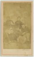 CDV Militaire Guerre De 1870-71 . Groupe De 4 Mobiles ? - Photographs