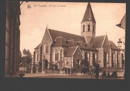 Sint Pauwels / Snt Pauwels - De Kerk En Kerkhof - Zeer Geanimeerd - Uitg. Emile Beernaert, Lokeren - Sint-Gillis-Waas