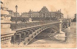 POSTAL    LYON  -FRANCIA  - LE PONT DE L'UNIVERSITÉ ET LA FACULTÉ DE DROIT - Lyon