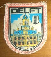 WAPENSCHILD : DELFT (1960). - Blazoenen (textiel)