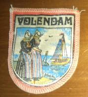 WAPENSCHILD : VOLENDAM (1960). - Blazoenen (textiel)