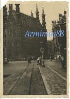 Belgique - Leuven - Louvain, Sous L'occupation Allemande - Wehrmacht, 1940 - Hôtel De Ville - Stadhuis - Grote Markt - Guerre, Militaire