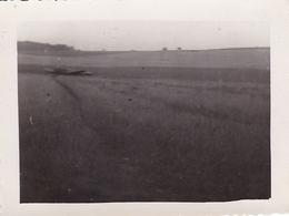 PHOTO ORIGINALE 39 / 45 WW2 WEHRMACHT FRANCE RENNES JUILLET 1940 AVION ABATTU - Guerra, Militari