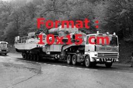Reproduction D'une Photographie Ancienne D'un Camion Berliet TRH 350 Avec Remorque Convoi Exceptionnel - Reproductions