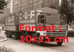 Reproduction D'une Photographie Ancienne D'un Camion Berliet Avec Publicité C.G.F Cablerie De Sens - Reproductions