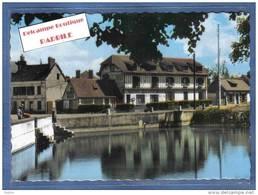 D 27. Conches  Hotel De La Grand Mare Et Pêcheurs Sur La Pièce D'eau  Trés Beau Plan - Conches-en-Ouche